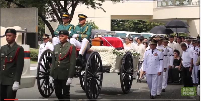 マルコスの葬儀